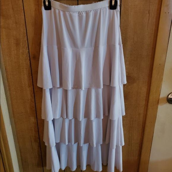 Dresses & Skirts - White ruffled skirt!